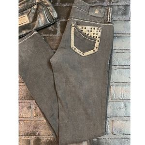 ANTIQUE RIVET-  skinny straight leg jeans